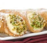 Honey Chocolate-Pistachio Cannoli Recipe
